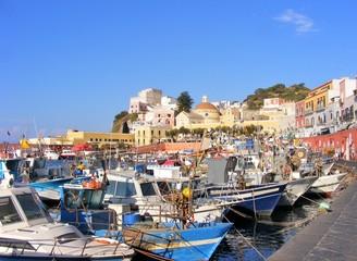 Isola di Ponza. Il porto
