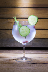 gin tonic with cucumber