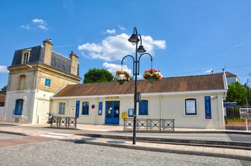 Estación ferroviaria de Méry-sur-Oise, trenes, Francia