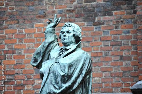 Fotobehang Standbeeld Martin Luther, Reformation, Kirche, Christentum, Hannover
