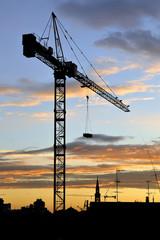Gru e nuvole - Cantiere di costruzione