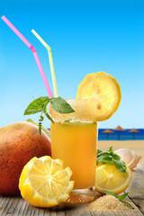 aperitivo sulla spiaggia