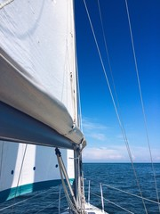 In barca in una giornata di sole