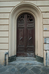 Porta in legno, ingresso palazzo