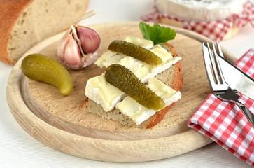 brotzeit mit camembert käse