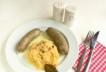 Sauerkraut mit Leberwurst
