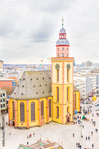 Frankfurt with the St. Catherine's Church and the plaza - 68555497