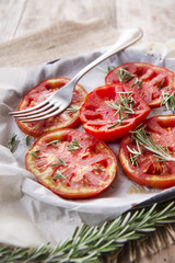 Slices of roasted tomatoes