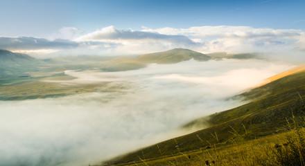 Piana con la nebbia