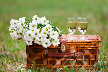 glasses of wine and flowers