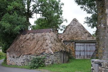 maisons à toit de chaume à Bigorre - Haute Loire