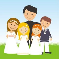 Sacerdote con los niños de comunión