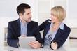 Lob von der Chefin: Besprechung oder Meeting im Büro