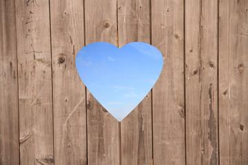 Holzzaun mit Herzform