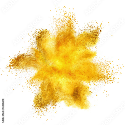 In de dag Aromatische Yellow powder explosion isolated on white