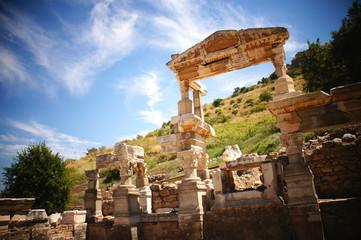 トラヤヌスの泉 エフェソス遺跡