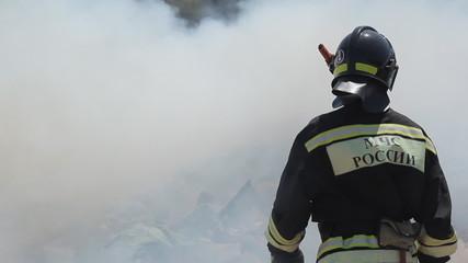Courageous firemen put out extensive fire