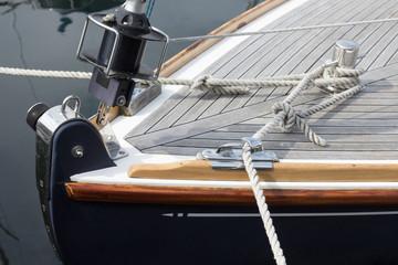 Bug einer klassischen Segelyacht
