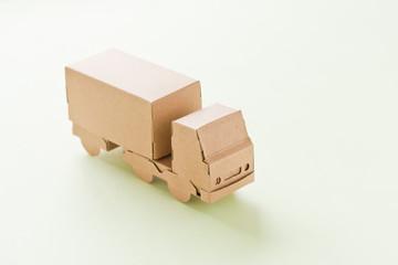 トラック 運送