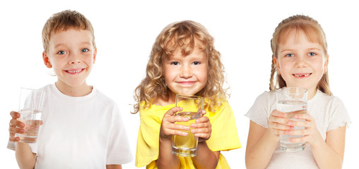 Children with a glass of water