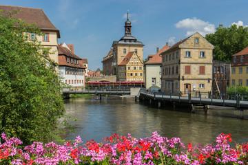 Bamberg, Brückenrathaus im Sommer