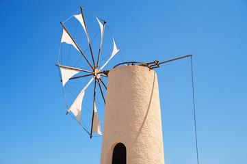 Typische Windmühle auf der  Insel Kreta