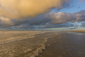 La plage de Quend-Plage un soir d'hiver.