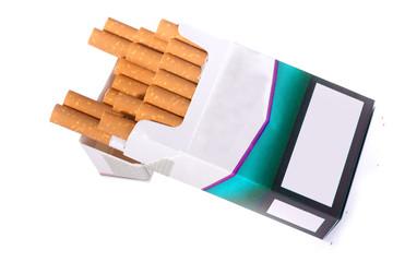 liegende Zigarettenpackung, wo die Zigaretten