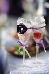 Decorated wedding glasses