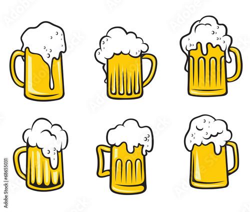 Lager beer tankards set