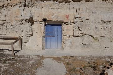 vieille porte bleue en bois