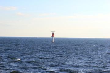 Leuchtturm im finnischen Meerbusen bei Estland