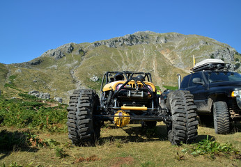 offroad car 4x4 on the mountain