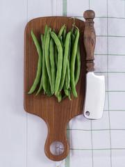 Grüne Bohne auf einem Tablett