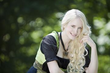 München , Englischer Garten , junge Frau , Portrait