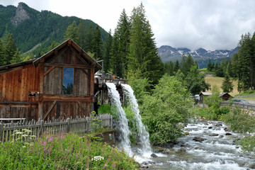 reißender Bach im Ultental, Südtirol