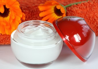 Face cream & marigold