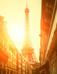 The Eiffel tower is one of the most popular place in the world