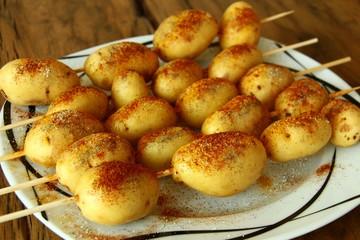 grill kartoffeln am spiess I