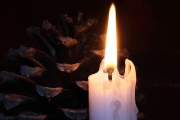 Weihnachtliche Kerze