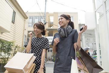 Women to go shopping