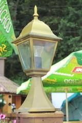 декоративный фонарь на улице