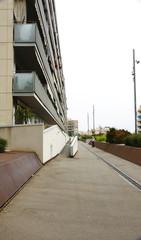 Bloque de pisos en una barriada de Barcelona