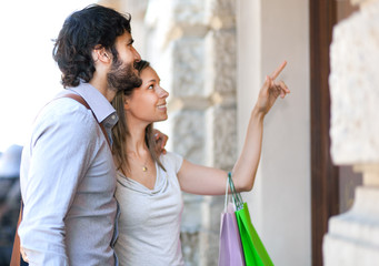 Couple shopping in the city