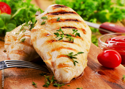 Aluminium Vlees Grilled chicken breast