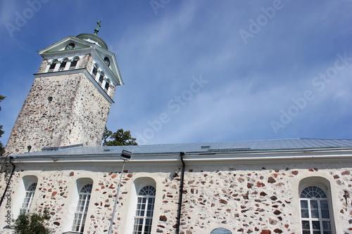 canvas print picture Die hübsche Steinkirche von Ekenäs (Tammisaari) in Finnland
