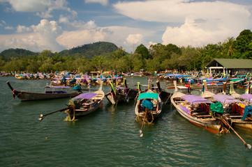 Hafen von Ao Nang bei Krabi