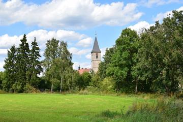 Blick auf Leutershausen vom Altmühlradweg
