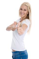 Glückliche junge Frau isoliert in Shirt weiß mit Jeans