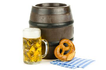 oktoberfest mit brezel und bier